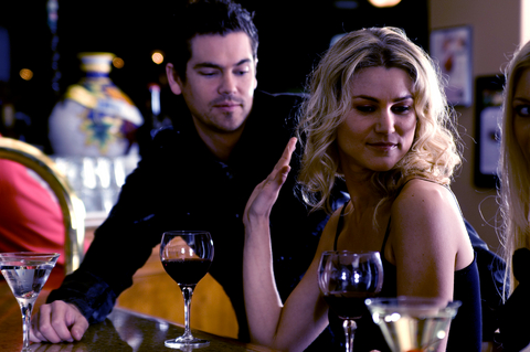 5 Ways To Avoid the Creeper at the Bar